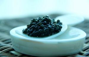 Trứng cá đen (caviar) là gì?