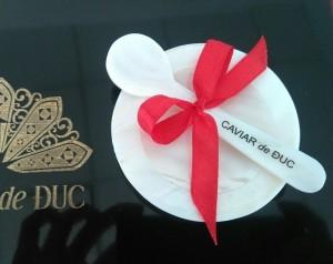 Đĩa ngọc trai Caviar de Duc (combo 1 đĩa + 1 muỗng)